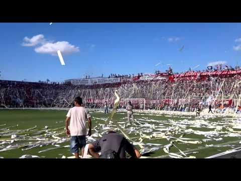 """""""Clásico santafesino Nº 80 Unión - Colón, salida de los equipos a la cancha"""" Barra: La Barra de la Bomba • Club: Unión de Santa Fe"""