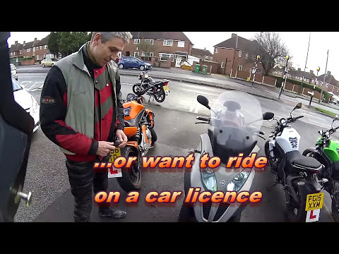 Scooter on a car licence!  Piaggio MP3 300 LT review.