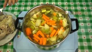 Смотреть онлайн Немецкий суп «Айнтопф»: рецепт с фасолью