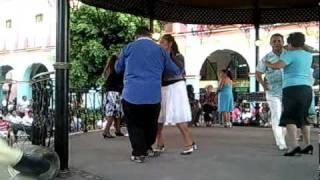 preview picture of video 'Danzón en el kiosko de Texcoco'