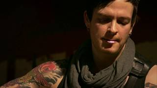 Poets of the Fall - Stay (Live w/ Lyrics) - YouTube