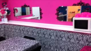 Bold Girlz Party Room1