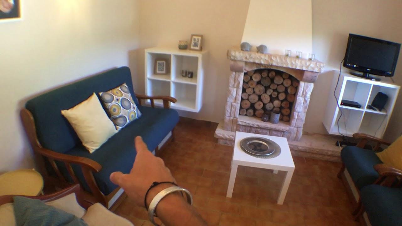 Incredible 4-bedroom villa for rent near Mata Nacional dos Medos in Poço Novo