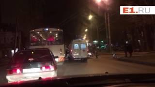 На Белинского столкнулись легковушка и мотоцикл