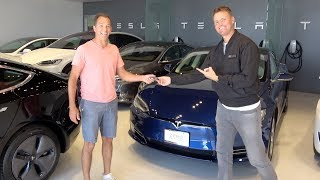 Video Surprising My 100th Referral with a Tesla! MP3, 3GP, MP4, WEBM, AVI, FLV September 2019