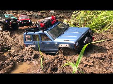 RC Trucks Off Road Mudding @ Parkerfest Europe 2018 Jeep Cherokee TRX-4 SCX10.2