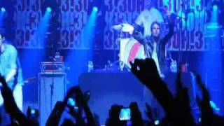 3OH!3 - Beaumont/Starstrukk (Live at Walmart Soundcheck)