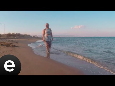 Belma Sera - Gülümserim Ama Akar Gözlerim - (Official Video) Sözleri