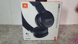 Unpacking JBL LIVE 400BT Wireless Headphones