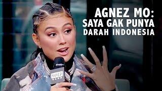 """""""Karena sebenarnya, aku enggak punya darah Indonesia atau apapun itu. Aku (berdarah) Jerman, Jepang, China, dan aku hanya lahir di Indonesia. Aku juga (beragama) Kristen dan mayoritas di Indonesia adalah Muslim. Jadi, aku enggak akan bilang aku enggak pantas berada di sana karena orang-orang menerimaku apa adanya. Tapi, selalu ada perasaan kalau, aku tidak seperti orang-orang lainnya."""" ujar Agnez Mo.  Itulah cuplikan wawancara Agnez Mo dengan Build By Yahoo! Cuplikan video ini viral di media sosial. Agnez Mo menjelaskan bahwa dirinya tak miliki darah Indonesia.  Pernyataan Agnez Mo langsung picu komentar dari netizen. Kebanyakan dari mereka sayangkan perkataan Agnez Mo. Namun, ada juga netizen yang membela Agnez Mo.  #AgnezMo #AgnezPenyanyi #AgnezMoBukanIndonesia  Jangan lewatkan live streaming Kompas TV 24 jam non stop di https://www.kompas.tv/live. Supaya tidak ketinggalan berita-berita terkini, terlengkap, serta laporan langsung dari berbagai daerah di Indonesia, yuk subscribe channel youtube Kompas TV. Aktifkan juga lonceng supaya kamu dapat notifikasi kalau ada video baru.  Media social Kompas TV:  Facebook: https://www.facebook.com/KompasTV  Instagram: https://www.instagram.com/kompastv  Twitter: https://twitter.com/KompasTV  LINE: https://line.me/ti/p/%40KompasTV"""