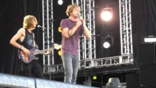 """""""Back Stabbin' Betty"""" By Cage The Elephant @ All Points West"""