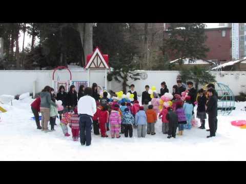 白百合幼稚園へバルーン贈呈