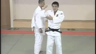 古賀 稔彦 TOSHIHIKO KOGA   IPPON SEOI NAGE тошихико кога показывает бросок иппон сеои наге