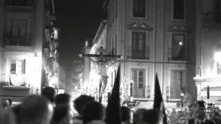 preview picture of video 'Cristo de los Favores 2015 entrando en catedral (Pasiegas) GRANADA'