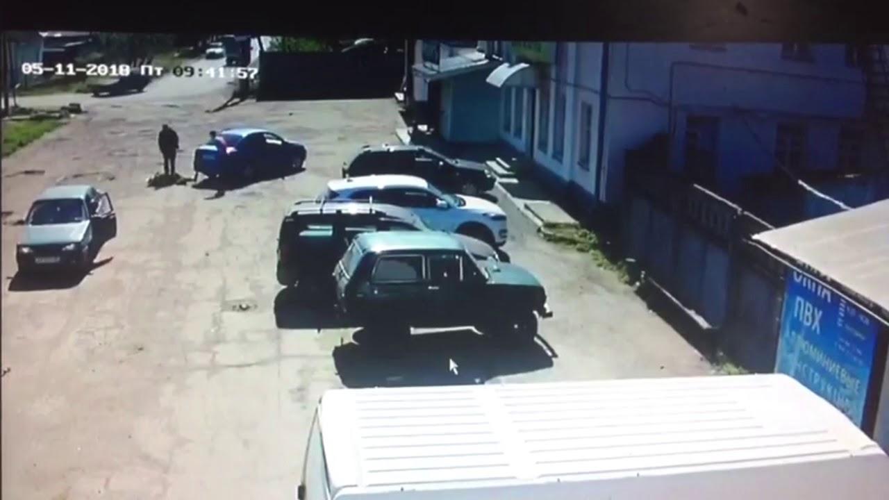 Сбил женщину и скрылся водитель в Твери