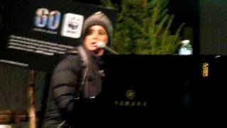 Ordinary People - Chantal Kreviazuk - LIVE @ Yonge-Dundas Square