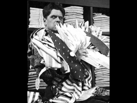 """Eugeniusz Bodo - Złociste włoski (""""Jego ekscelencja subiekt"""" 1933)"""
