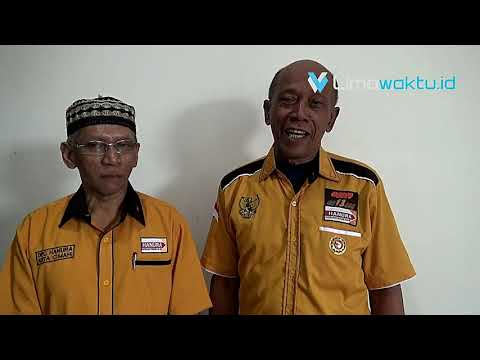 Pengurus DPC dan Kader Partai Hanura 'Ontrog' Kantor Wali Kota Cimahi