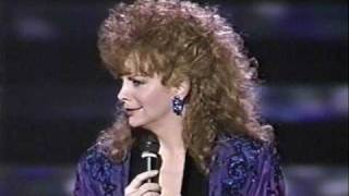 Reba sings greatest hits
