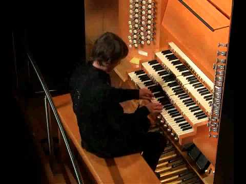 Christoph Bull plays Bach Prelude and Fugue in A minor, BWV 543