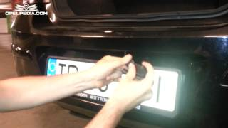 Opel Astra H Tutorial: Replace Licence Plate Light Bulb