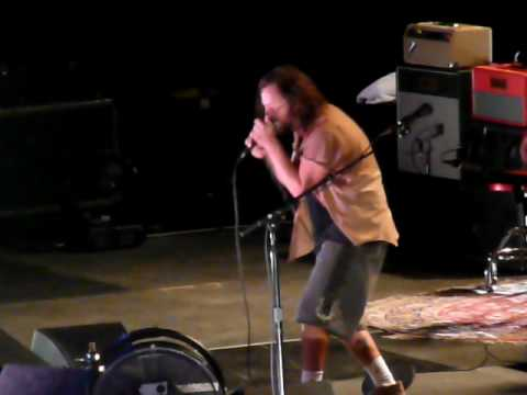 Pearl Jam - Supersonic - London O2 Arena 180809