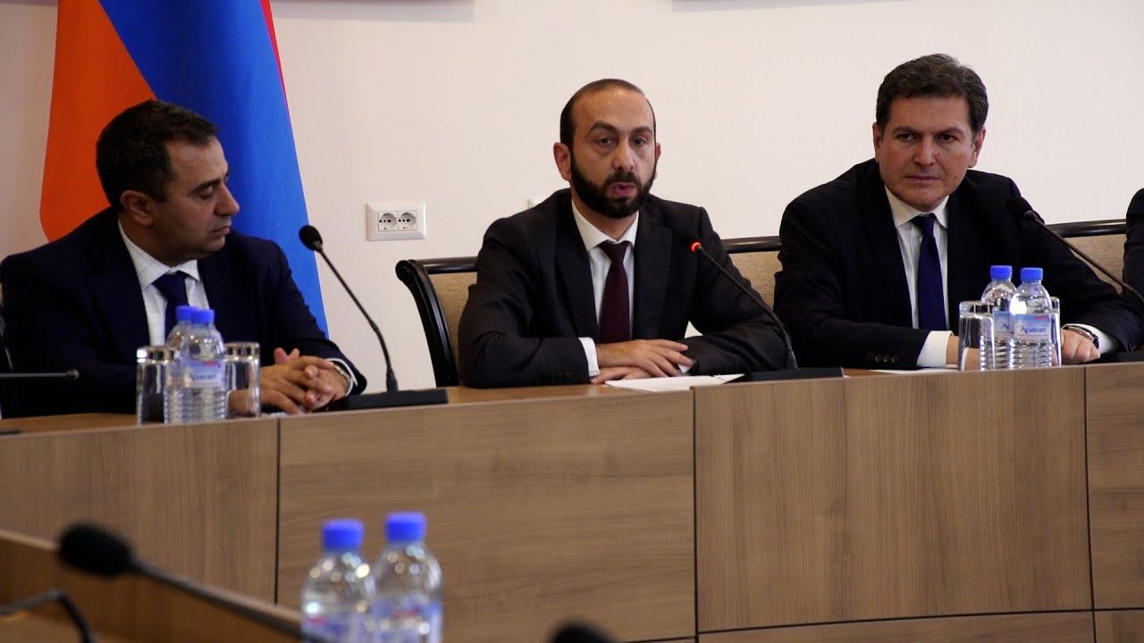 Artsaxdakı humanitar böhranın aradan qaldırılması kontekstində Ararat Mirzoyan AŞ səlahiyyətli orqanlarının cəlb edilməsinin vacibliyini qeyd etdi