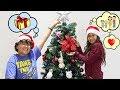 Maria Clara e JP enfeitam a Árvore para o Natal 🎄  Kids adorn the Christmas tree