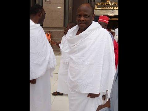 Kwankwaso Yana dawafi A saudiya