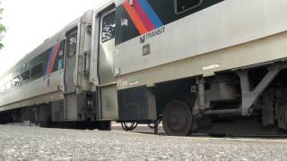 preview picture of video 'NJT ALP46 #4658 Comes East At Morris Plains 6-18-2012'