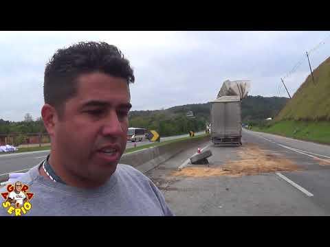 Caminhoneiro fala sobre o Acidente com caminhão de roupas e tecidos na entrada da cidade de Juquitiba com saque de carga