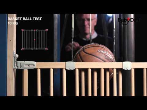 Baby Dan Safety Gate testing - in Japanese