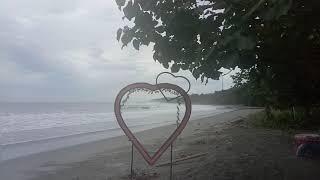 preview picture of video 'Luangkan waktu di Pantai Petrus Kafiar'