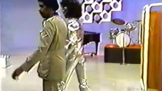 Mike Douglas Show w/Richard Pryor & Sly Stone 11/27/74 (Pryor on drums)