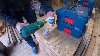 Aufkleber mit Heißluftpistole von Bosch L-Boxxen entfernen