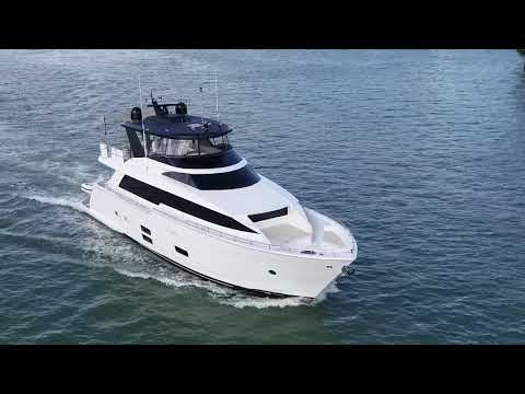 Hatteras 75M PANACERA video