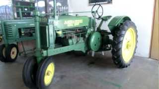 preview picture of video 'John Deere Model A1933R with 2 cylinders and unique wheels turning mechanism'