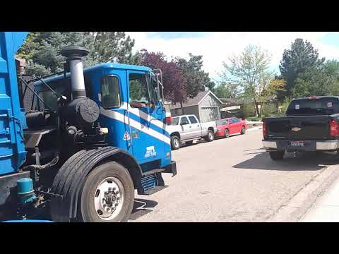 ex allied waste services fresh air 2432 autocar acx McNeilus autoreach CNG on recycling part 3 of 3