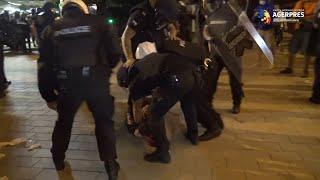 Bulgaria: Undă verde în parlament pentru discutarea unei noi Constituţii; 45 de persoane rănite în ciocniri de stradă