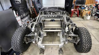 Building & Installing A Racing Fuel Cell In The Off-Road Lamborghini Huracan