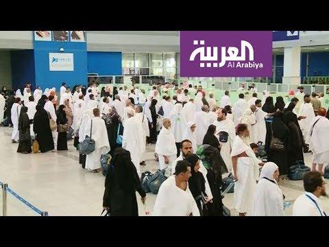 العرب اليوم - شاهد: أجهزة إلكترونية تقرأ بيانات المعتمرين في مطار جدة