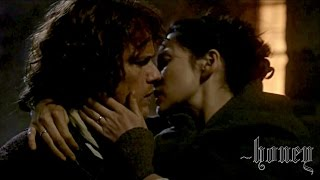 """Hands of Love"" (Jamie ♥ Claire) - Outlander - a request"