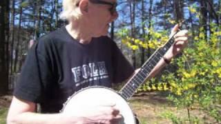 Frank Hamilton Demonstrates the Basic Pete Seeger Strum for Banjo - Key of G