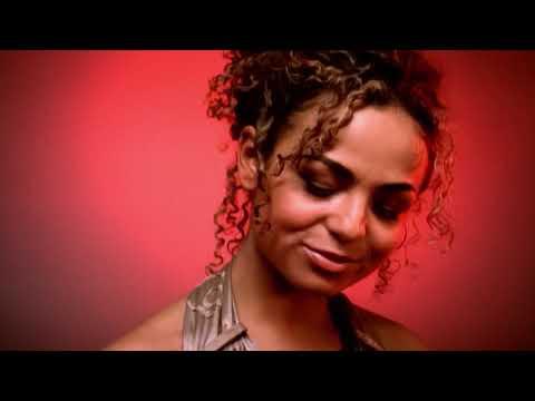 Hits de 2004 : K.MARO - Femme like U