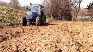 耕盤層を作らずに土中の毛細管現象を活かす パワーハロー