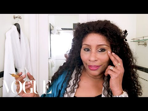 Chaka Khan's Diva Makeup Ritual | Beauty Secrets | Vogue