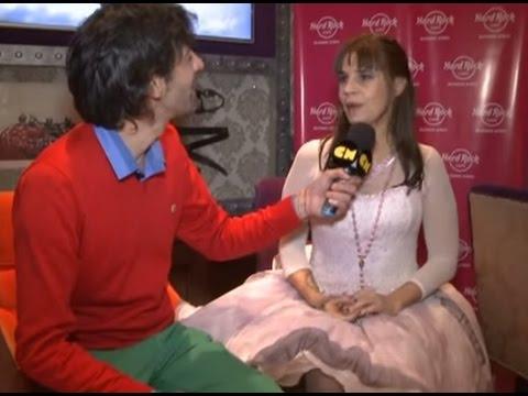 Fabiana Cantilo video Entrevista CM - Presenta Superamor 2015