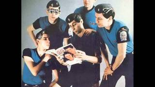 Devo - It's not Right (actual track length: 2:20)
