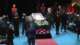 LIVE: Прощание с артистом Василием Лановым в Театре имени Вахтангова