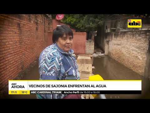 Vecinos de Sajonia enfrentan al agua